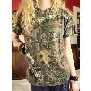LIKE NEW Mossy Oak Camouflage Hunting T Shirt Tee